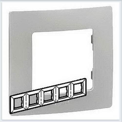 Рамка 5-ая белая Legrand Etika 672505