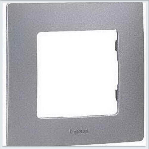 Рамка 1-ая алюминий Legrand Etika 672551