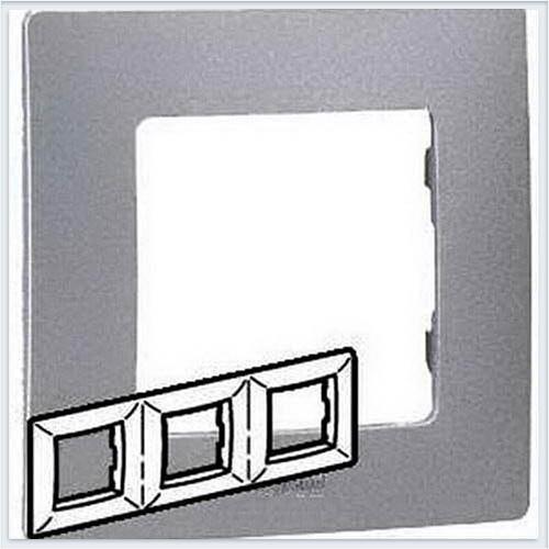 Рамка 3-ая алюминий Legrand Etika 672553