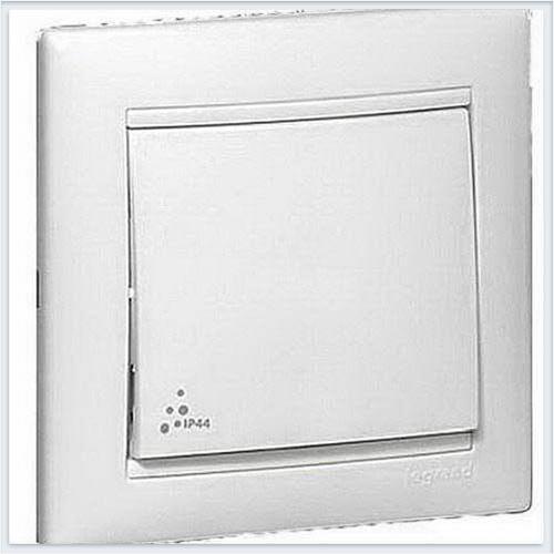 Кнопка звонка IP44 Белая Legrand Valena 770099