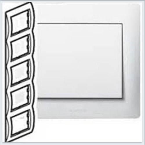 Рамка 5-я вертикальная Legrand Galea Life Белый 771009