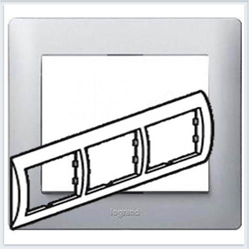 Рамка 3-я горизонтальная Legrand Galea Life Алюминий 771303