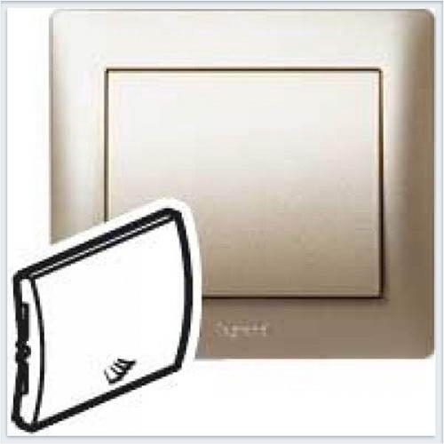 Клавиша простая с пиктораммой Лестница Legrand Galea Life Титан 771448