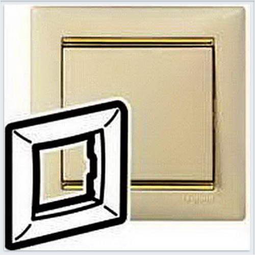 Рамка 1-ая Кремовый-золото Legrand Valena 774151