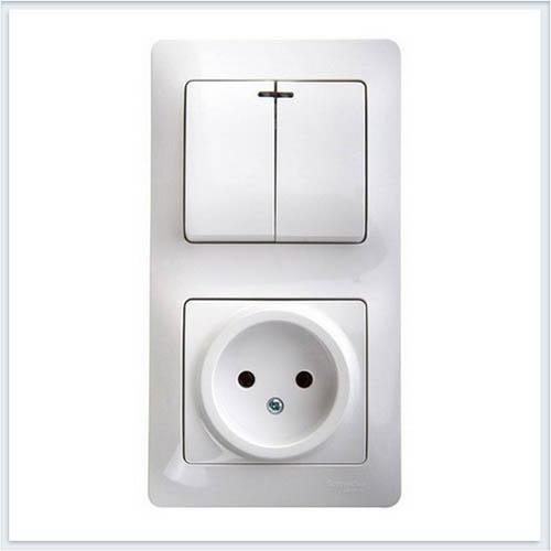 Блок: розетка и 2-кл. выключатель с подсветкой Glossa Белый GSL000173