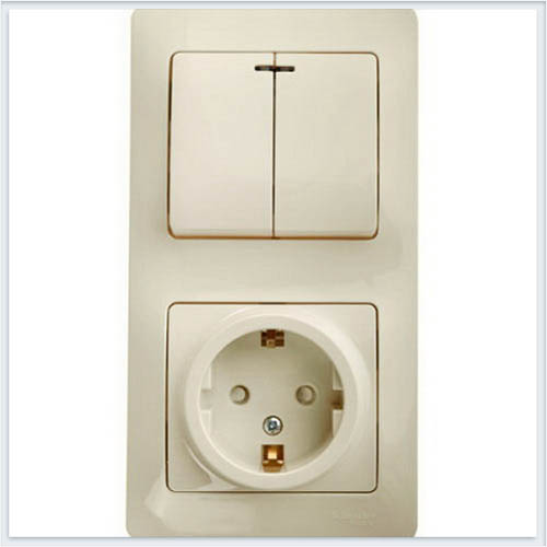 Блок: розетка с заземлением со шторками и 2-кл. выключатель с подсветкой Glossa Бежевый GSL000275