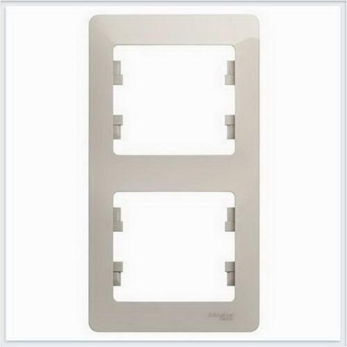 Рамка 2-ая, вертикальная Glossa Молочный GSL000906