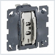 Механизм переключателя 1 модуля Legrand Celiane 67001