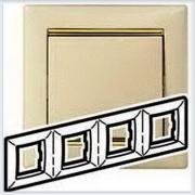 Рамка 4-ая Кремовый-золото Legrand Valena 774154