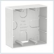 Blanca Белый Коробка подъемная для силовых розеток
