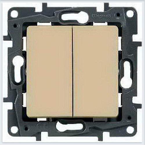 Выключатель 2-х клавишный с подсветкой кремовый Legrand Etika 672304