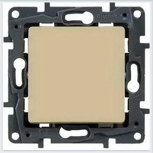 Кнопка автоматическая 6А кремовый Legrand Etika 672314