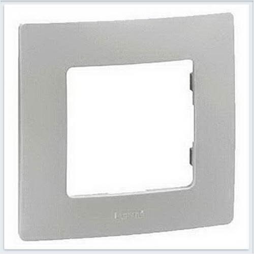 Рамка 1-ая белая Legrand Etika 672501