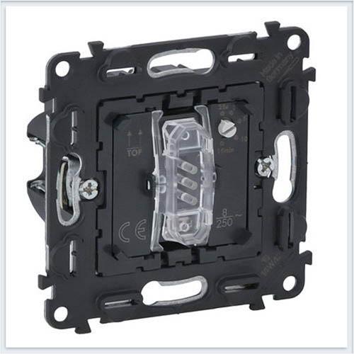 Выключатель без нейтрали с задержкой отключения 10АХ 250В винтовые зажимы Valena Механизмы In'Matic 752061
