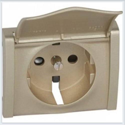 Накладка розетки с/з с крышкой с защитными шторками Legrand Galea Life Титан 771422
