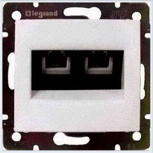 Розетка ТЛФ 2-ая Белый Legrand Valena 774439