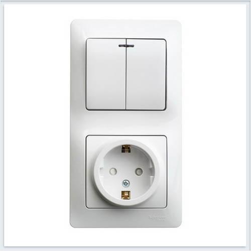 Блок: розетка с заземлением со шторками и 2-кл. выключатель с подсветкой Glossa Белый GSL000175