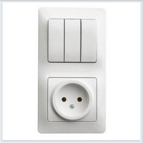 Блок: розетка и 3-кл. выключатель Glossa Белый GSL000176