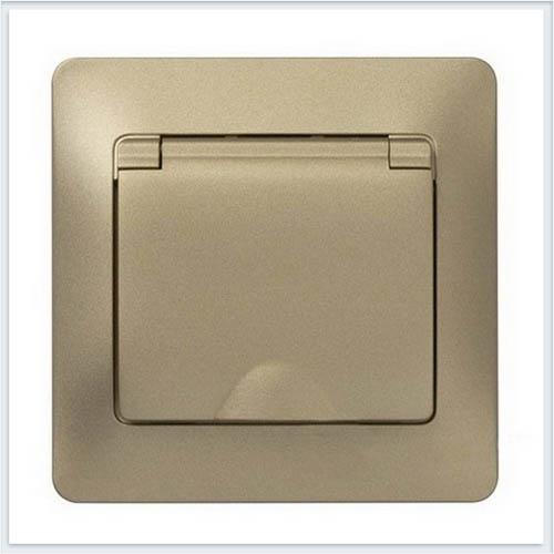 Розетка с заземлением со шторками с крышкой, IP20 (в сборе с рамкой) Glossa Титан GSL000446