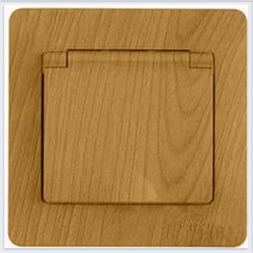 Розетка с заземлением со шторками с крышкой, IP20 (в сборе с рамкой) Дерево Дуб GSL000546