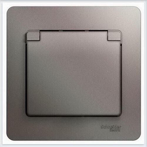 Розетка с/з со шторками с крышкой, в сборе, IP20 Glossa Платина  GSL001246